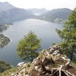 Klettersteig Mahdlgupf mit Blick auf den Attersee